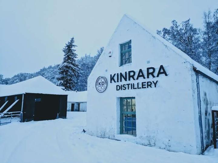 Full kinrara distillery gin whisky building