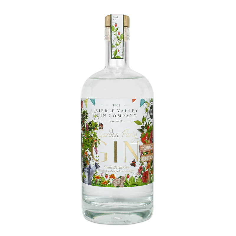 Full garden party gin product photo