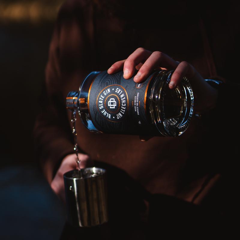 Full blue slate gin pouring 2